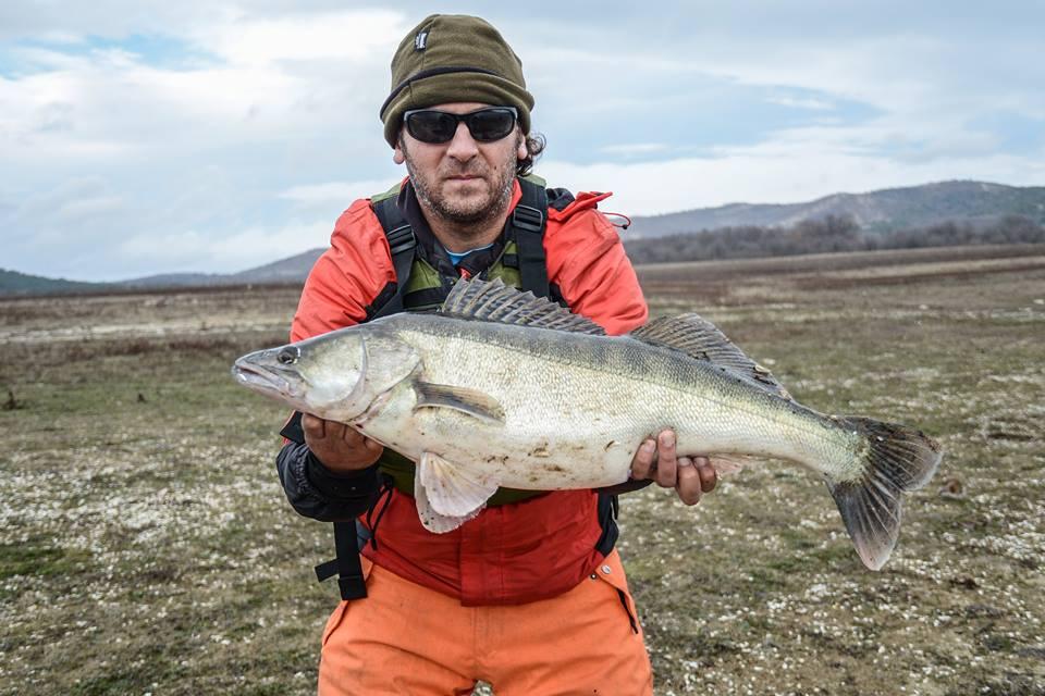 Първа риба от новия каяк